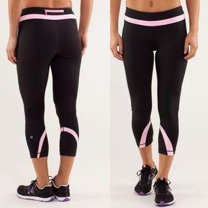 Lululemon Run Inspire Crop Black Pink Shell 8 B60